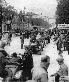 Preparativi per la partenza della Mille Miglia 1930.