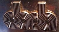 Dada arredamento wikipedia for Logo arredamento