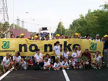 Settembre 2009, presidio davanti alla centrale di Caorso (PC)