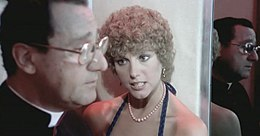 Quelle strane occasioni film 1976 episodio ascensore Stefania Sandrelli .JPG
