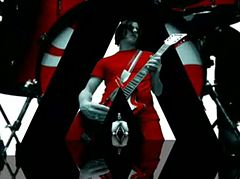The White Stripes, Seven Nation Army (Alex Courtes).jpg