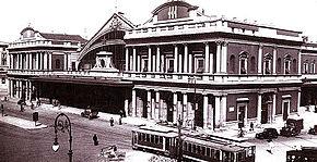Il fronte della stazione di Salvatore Bianchi