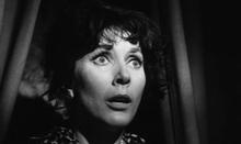 Valentina Cortese in una scena del film La ragazza che sapeva troppo di Mario Bava (1963)