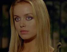 Gloria Guida nel film La liceale (1975)