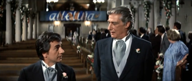 Dudley Moore e Richard Mulligan in una scena del film