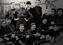 I giocatori del Torino posano per uno scatto fotografico risalente al 1906