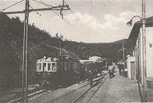 L'arrivo nel 1929 del primo treno a Casella nel giorno dell'inaugurazione dell'omonima ferrovia