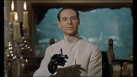 Dr. No in una scena del film