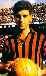 Un giovane Rivera durante i primi anni di militanza nel Milan