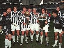 La Juventus di Marcello Lippi celebra i trionfi del 1996 in Champions League e Coppa Intercontinentale