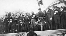 24 ottobre 1922, adunata delle camicie nere di Napoli, Mussolini sul palco delle autorità