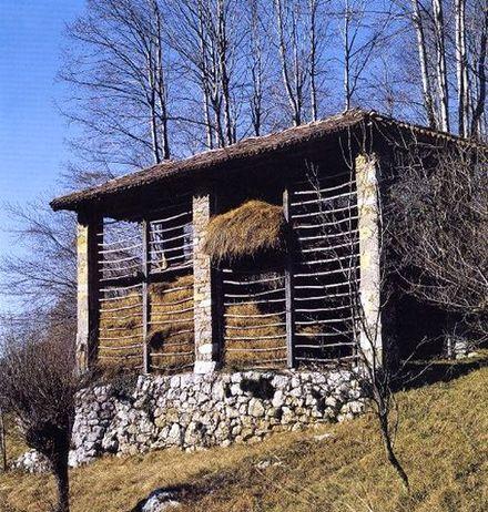 Un kozolec/kazuc delle Valli del Natisone