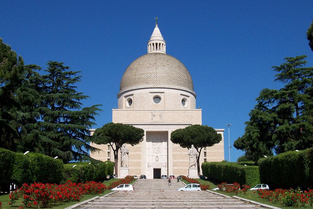 Roma EUR Basilica santi Pietro e Paolo.jpg