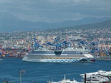 Nave da crociera Porto di Napoli.