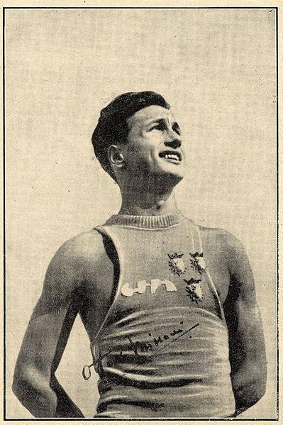 Ottavio Missoni in una fotografia autografata degli anni quaranta.