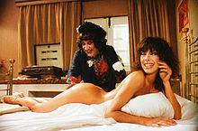 Enzo Cannavale e Nadia Cassini in Tutta da scoprire (1981)