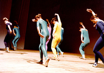 Danza moderna wikipedia for Immagini di ballerine di danza moderna