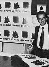 Il presidente Gaetano Anzalone presenta, nel 1978, il nuovo logo della società ideato da Piero Gratton