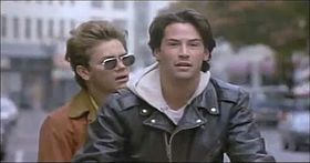 River Phoenix e Keanu Reeves in una scena del film