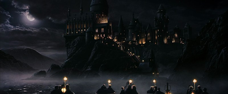 http://upload.wikimedia.org/wikipedia/it/thumb/b/b7/Harry_Potter_e_la_pietra_filosofale.jpg/800px-Harry_Potter_e_la_pietra_filosofale.jpg