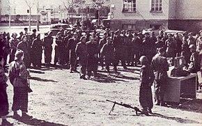 Cuneo, arditi dei battaglioni della Legione Muti durante una Messa da campo