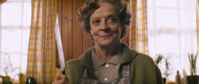 Maggie Smith in una scena del film