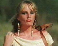 Gabriella Ferri in una scena del film Remo e Romolo - Storia di due figli di una lupa (1976)
