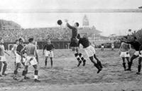 Fase di gioco in un derby a Campo Testaccio nel 1933
