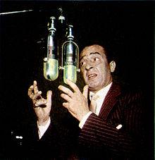 Nino Taranto nella trasmissione radiofonica Rosso e nero RAI 1956