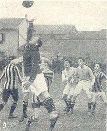 Un momento dell'incontro Legnano-Inter di Coppa Lombardia 1916-1917 (11 marzo 1917 - girone finale - 1ª giornata di ritorno), e terminato 3-2 per i nerazzurri