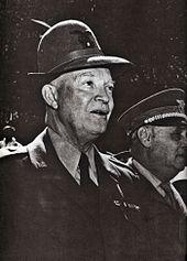 Il generale Eisenhower con il cappello da Alpino e5affb77b0c2