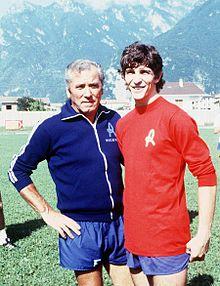 Da sinistra: il tecnico Giovan Battista Fabbri e Rossi in una pausa d'allenamento con il Lanerossi Vicenza a fine anni 1970.