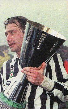 220px-Juventus_FC_-_Supercoppa_italiana_