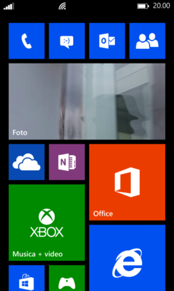 Schermata start windows phone 8.png