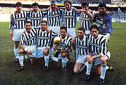 Juventus Football Club 1993-1994.jpg