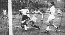 Gigi Riva in azione al Legnano nella stagione 1962-1963