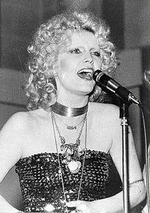 Patty Pravo in un'esibizione nel 1973.