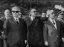 Giovanni Leone, allora presidente del Consiglio, visita i luoghi colpiti dal disastro del Vajont, il 10 ottobre 1963