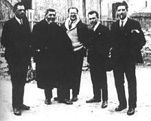 1926 - Lorenzo De Bova, Filippo Turati, Carlo Rosselli, Sandro Pertini e Ferruccio Parri a Calvi in Corsica dopo la fuga in motoscafo da Savona.