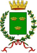 A sinistra lo stemma ufficiale concesso nel 1877, a destra stemma del comune originale del 1813[3]