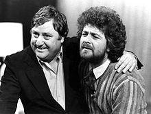 Beppe Grillo con Mario Merola nel 1981