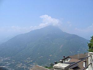 Monte Elto visto da Cevo in primavera.