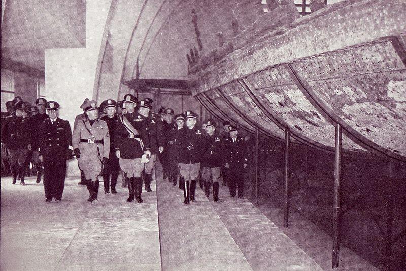 Fájl: Nemi Mussolini és Bottai Múzeum felavatása.jpg