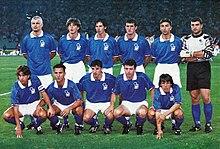 Ravanelli (in piedi, primo da sinistra) in nazionale nel 1995