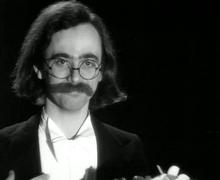 Nel ruolo del disegnatore in Allegro non troppo di Bruno Bozzetto (1977)