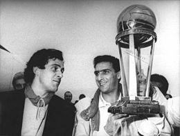 Juventus, Coppa Intercontinentale 1985, Michel Platini e Gaetano Scirea.jpg