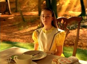 Alice nel paese delle meraviglie ita streaming youtube - Alice attraverso lo specchio streaming ita ...