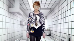La Roux, Bulletproof (The Holograms@UFO).png