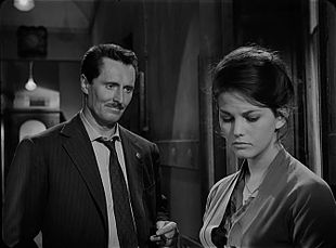 Con Claudia Cardinale in Un maledetto imbroglio (1959)