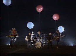 99 Luftballons Video.png